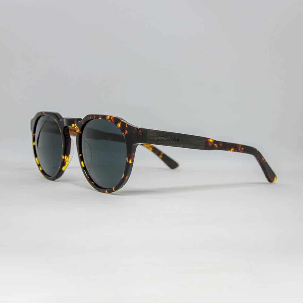 Sumatra - Tortoise Acetate Sunglasses with ebony and maple wood - Mr. Woodini